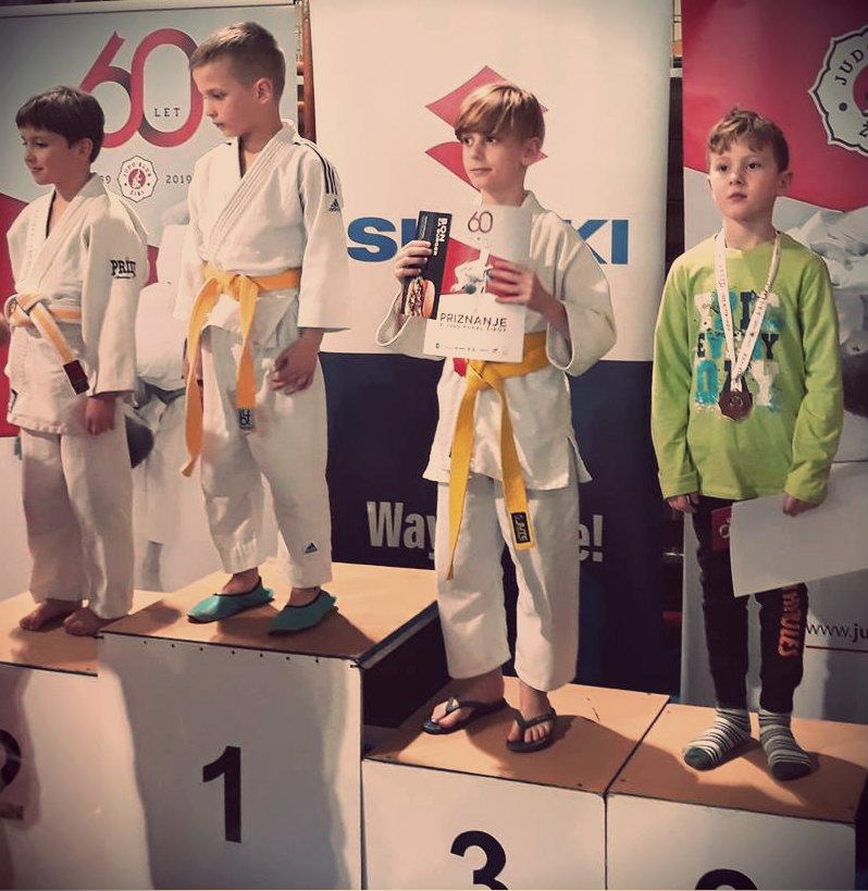 judoisti judo kluba bela krajina osvojili 1. in 2. mesto