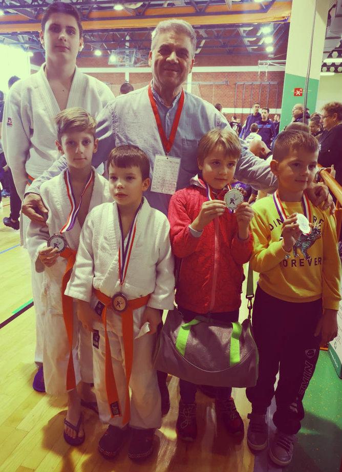judoisti judo kluba bela krajina na judo tekmovanju
